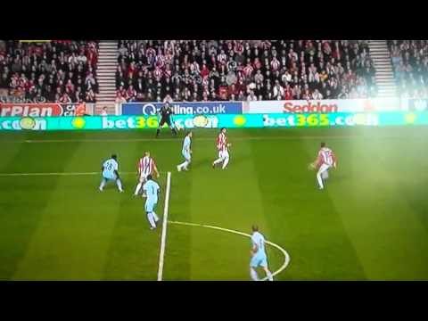 Crouch - Peter crouch's certain best goal ever. premier league 2011-2012 season. goal of the season/year contender! See links for other best premier league goals. :