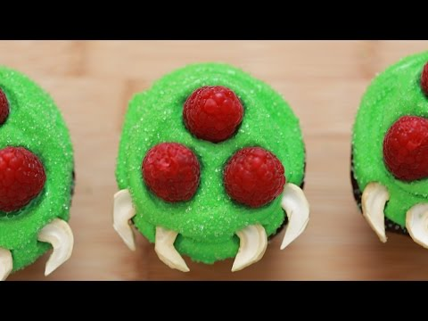 how to - Today I made chocolate Metroid cupcakes! A special thanks to my friend Greg for the awesome Samus costume! I really enjoy making nerdy themed goodies and decorating them. I'm not a pro, but...