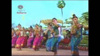 Video Lao dance ຟ້ອນ ຈໍາປາເມືອງລາວ Dance Champa of Laos MP3, 3GP, MP4, WEBM, AVI, FLV Juni 2018