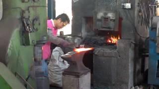 Bidor Malaysia  City pictures : Parang manufacturing in Bidor, Malaysia
