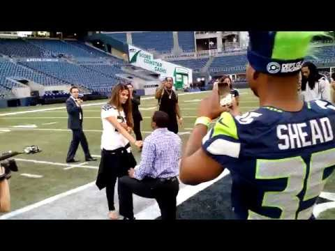 Seattle Seahawks DB- DeShawn Shead proposes to his girlfriend at the 50 yard line.