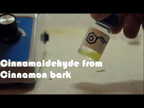 How to extract cinnamaldehyde from cinnamon bark