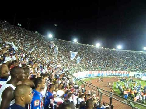 comemoração da torcida do Bahia na final do baiano 2012 - Movimento Avante Esquadrão - Bahia