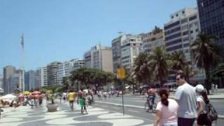 a galera toda passeando em copacabana e curtindo as belezas locais