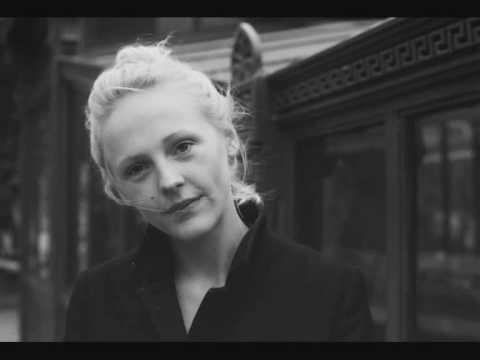 Tekst piosenki Laura Marling - Blackberry Stone po polsku