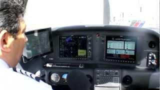 Video Volando en un Cirrus SR-20, el avión con paracaídas MP3, 3GP, MP4, WEBM, AVI, FLV Agustus 2018