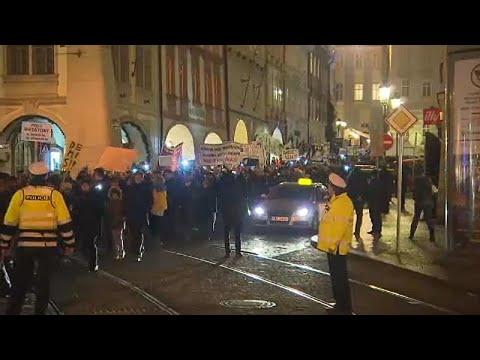 Tschechien: Proteste nach gescheitertem Misstrauensvo ...