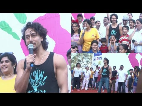 Tiger Shroff At Lokhandwala Street Festival