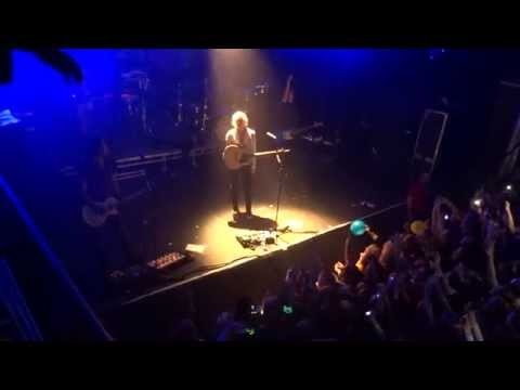 R5 - Loud (acoustic) / in Stockholm. Sweden, 10/4/2015 (видео)