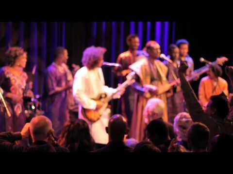 MUSIC FOR MALI: Bassekou Kouyate ft. Tamikrest for peace in Mali.mov