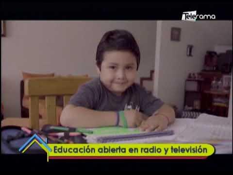 Educación abierta en radio y televisión