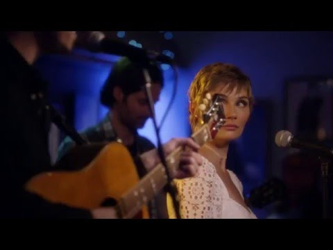 "Clare Bowen (Scarlett) And Sam Palladio (Gunnar) Sing ""I'm Coming Over"" - Nashville"