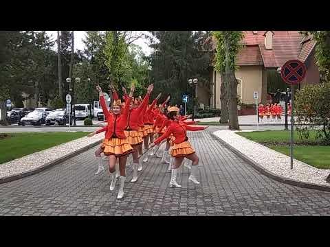 Wideo: Występ mażoretek w siedzibie KGHM