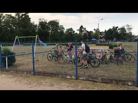 Wideo1: Otwarcie sezonu na basenie w Lesznie