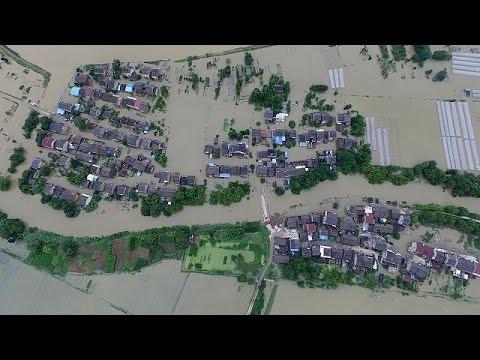 Κίνα: Πρωτοφανείς πλημμύρες με δεκάδες νεκρούς