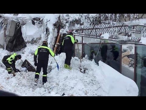 Ιταλία: Έξι επιζώντες στο ξενοδοχείο που χτυπήθηκε από χιονοστιβάδα