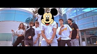 Nonton It S Everyday Bro But They Only Have The Disney Channel Flow Film Subtitle Indonesia Streaming Movie Download