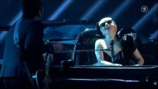 Lady Gaga - Marry The Night BAMBI 2011 HD + acceptance