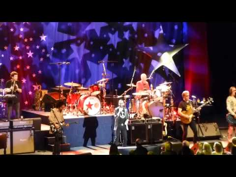 Ringo Starr And All Starr Band – Honey Don't (Greek Theatre, Los Angeles 7/19/14)