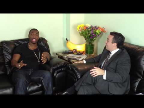 Michael Essany interviews Jay Pharoah at Zanies comedy club Rosemont