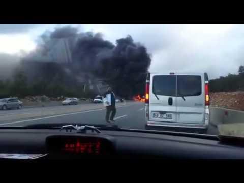 Araç sürücüsü yanarak can verdi