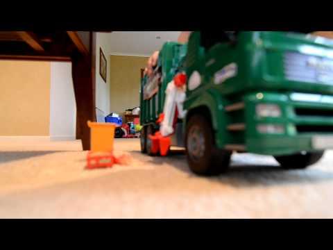Zach The Garbage Truck 4 Bruder Side Loader