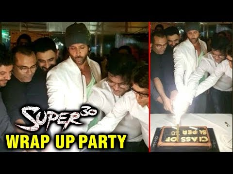 Hrithik Roshan And Team Cut Cake On Wrapping Up Su