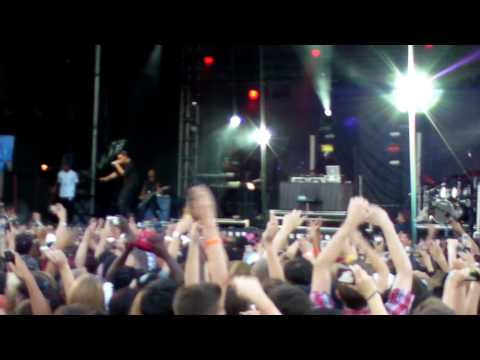 Drake - Forever & Show Me A Good Time LIVE at Bluesfest (Ottawa Canada)