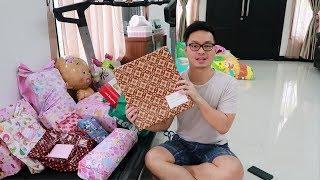 Video Keseruan Unboxing Kado Kado Baby New Born by JKTDelicacy MP3, 3GP, MP4, WEBM, AVI, FLV April 2019