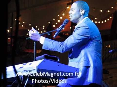 "Brian McKnight Sings ""Do I Ever Cross Your Mind"" @ The Grove"