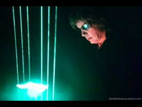 Jean Michel - Jean Michel Jarre The Ultimate Remix Collection Of Rarity) 00:00 Chronologie IV 03:50 Ethnicolor 08:02 Magnetic fields 11:57 Souvenir 16:19 Equinoxe V 20:17 ...