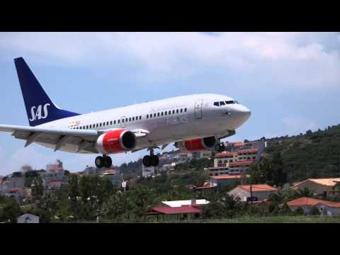 Amazing Skiathos Landing SAS Boeing 737-783, LGSK, Greece