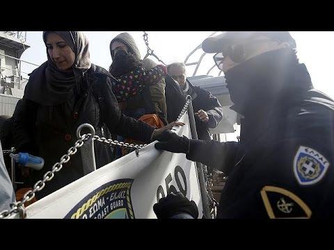Ομαλά διεξάγονται οι πρώτες επαναπροωθήσεις μεταναστών από την Ελλάδα