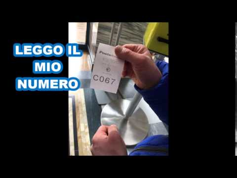 Watch video Come pagare un bollettino postale