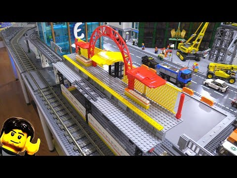 Why today's LEGO elevated rail progress felt so GOOD! (видео)