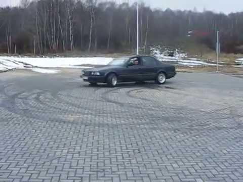 BMW SERIES 7 E32 735i (part#1)