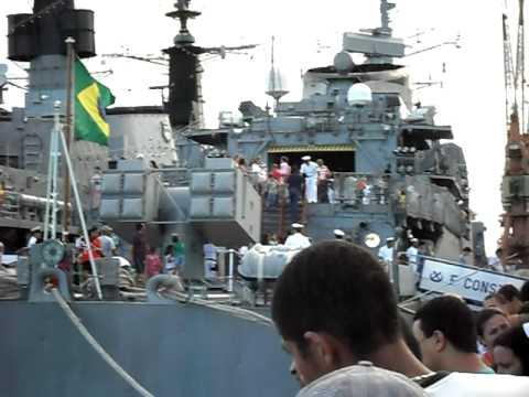 visita ao navio e submarino em vitoria es- ferias