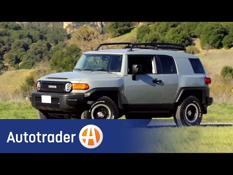2013 Toyota FJ Cruiser - SUV | New Car Review | AutoTrader.com