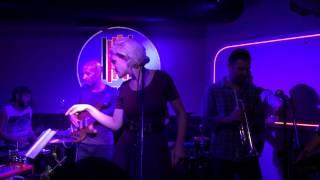 Aurora García & Little Wonder en el Tempo Club
