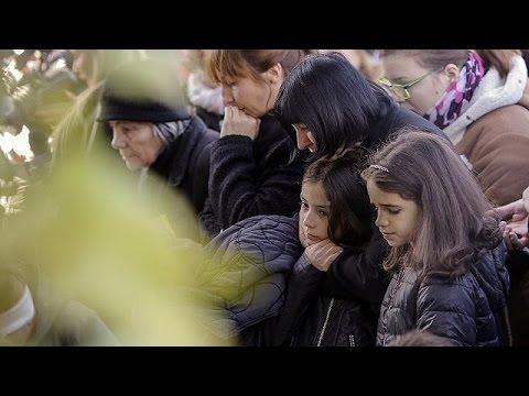 Ρουμανία: Σιωπηρή πορεία για τον ένα χρόνο από την τραγωδία σε κλαμπ – world