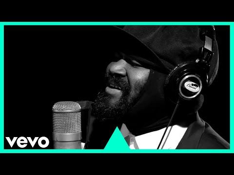 Video Gregory Porter - Holding On (1 mic 1 take) download in MP3, 3GP, MP4, WEBM, AVI, FLV January 2017