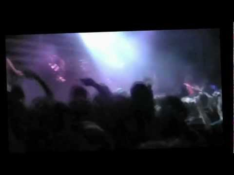 FREE RANDY BLYTHE 5/24/10 Prague Fan Storms Stage 3 times - Strikes Head, Causes Own Fatal Injury