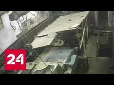 Мужчину порубило ножами на фанерном заводе в Татарстане