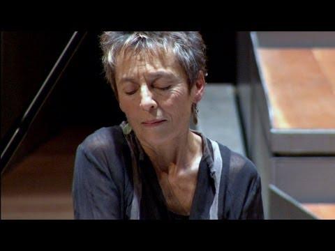 Mozart: Piano Concerto No. 9 / Maria João Pires, Berliner Philharmoniker, Trevor Pinnock