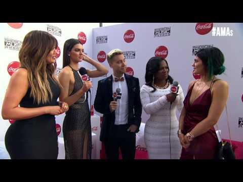 Khloe Kardashian, Kendall & Kylie Jenner Red Carpet Interview - AMAs 2014
