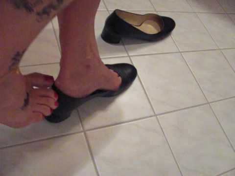 Elegant Leather Pumps, Tattoos And Anklet, Shoeplay And Dangling