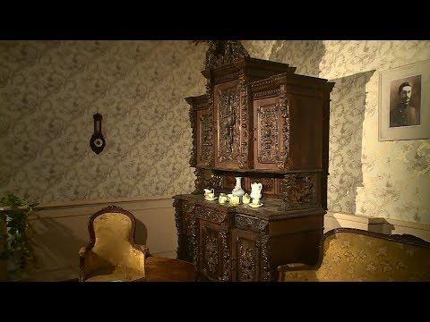 Старинный буфет XIX века