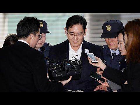 Κατηγορίες για διαφθορά απαγγέλθηκαν κατά του αφεντικού της Samsung