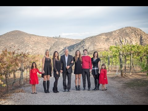 Cowan Family photo shoot at a winery in San Diego, CA