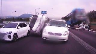 맨 인 블랙박스 45회 20170723 SBS경부 고속도로 상행선을 주행하다가 충격적인 사고를 만든 상황을 맨 인 블랙박스에서 확인한다.홈페이지 http://program.sbs.co.kr/builder/programMainList.do?pgm_id=22000009726